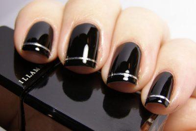 Черные ногти с серебряной полоской